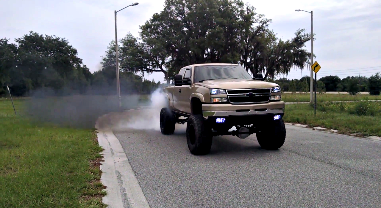 Efi Live Duramax >> Lifted Lbz Duramax Does A Beast Mode Burnout On 38 S Black Smoke Media